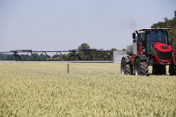 The Horsch BoomSight 'sees' obstacles, and, where possible, raises the boom to overcome them. Photo via Horsch.